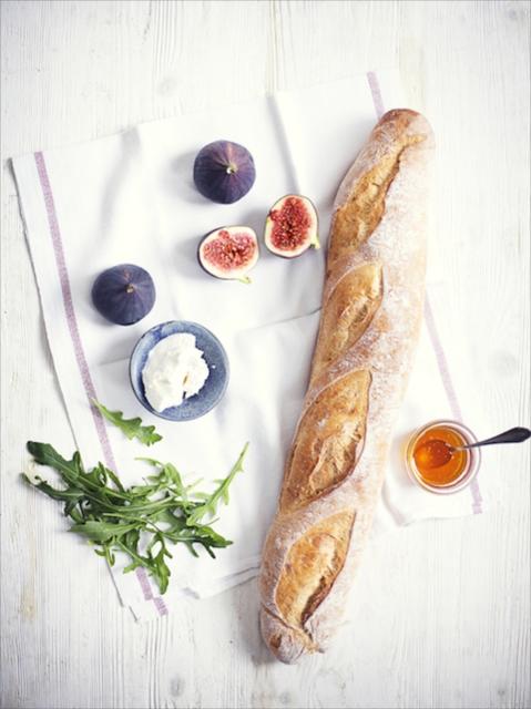 いつもの朝食をちょっとお洒落に!バゲットでいただく「イチジクのチーズトースト」