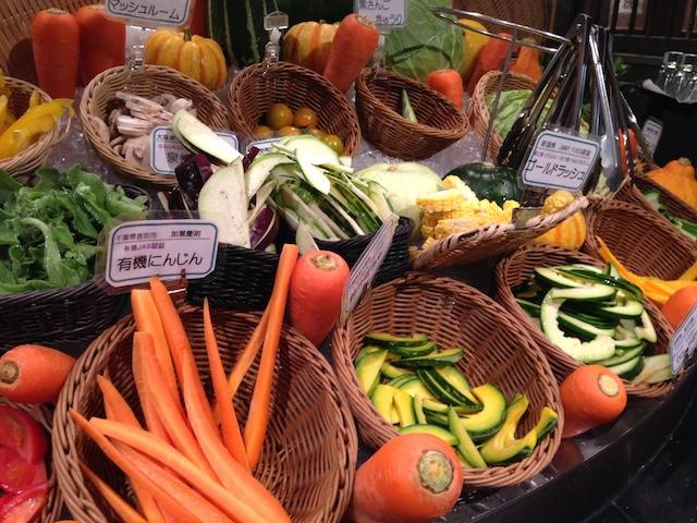 こんなにワクワクする野菜は初めて。世界一のサラダバー!!