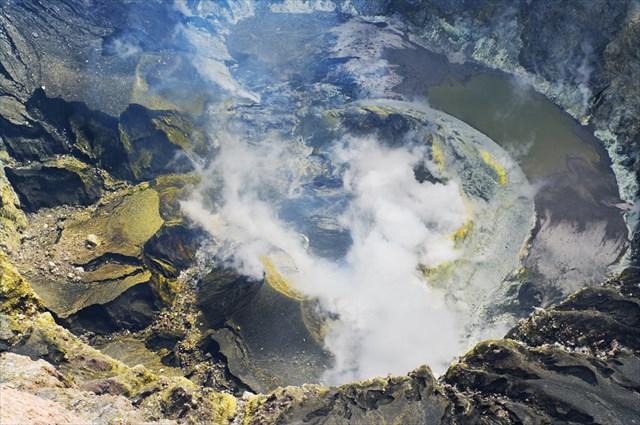 幻の動物たちに出会える!?今もなお火山活動が続く「スマトラ島」