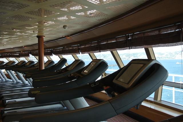 4万円台で叶う!旅が暮らしになる「地中海クルージング」
