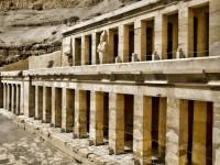 【エジプト】古代文化にタイムスリップ!ツタンカーメンも眠る王家の谷