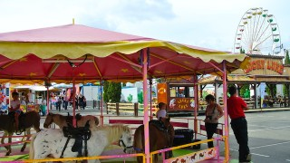 大人もワクワクしちゃう、移動式遊園地を知っていますか?