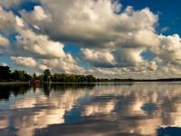 心が洗われる鏡の魔法・・・水鏡のある世界の絶景