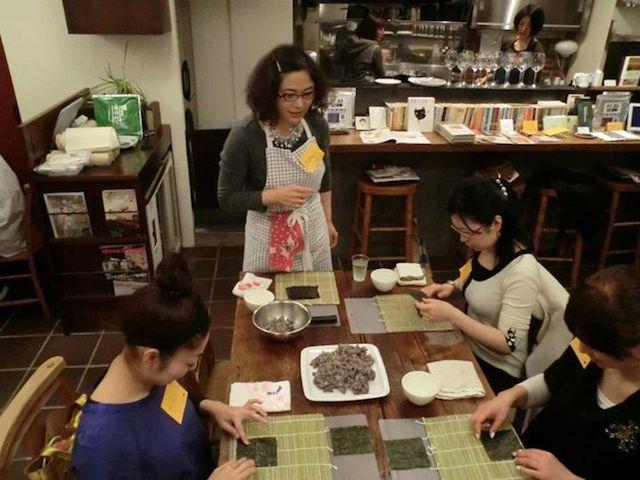 """切って初めて完成?!見て食べて楽しめる""""たまちゃん""""の巻き寿司アート"""