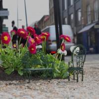 街中に出現する小さな庭園「ポッドホールガーデン」