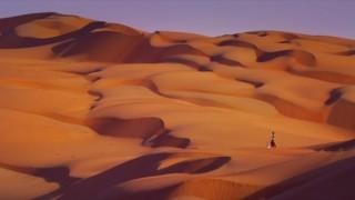 謎が解けた!砂漠のストリートビューはこうやって撮影しているんだ