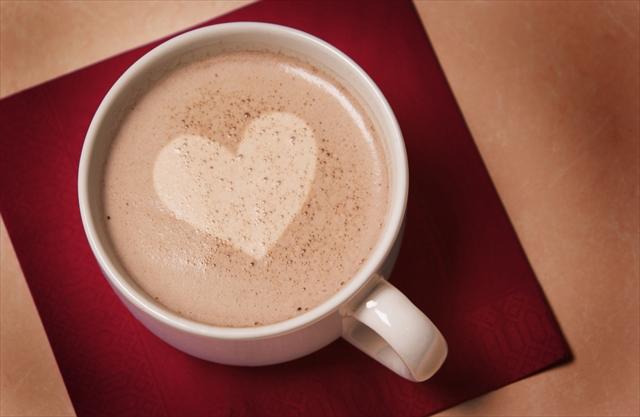 【レシピ】材料2つで超簡単! 恋にも効く?!冬のあったか「ショコラショー」