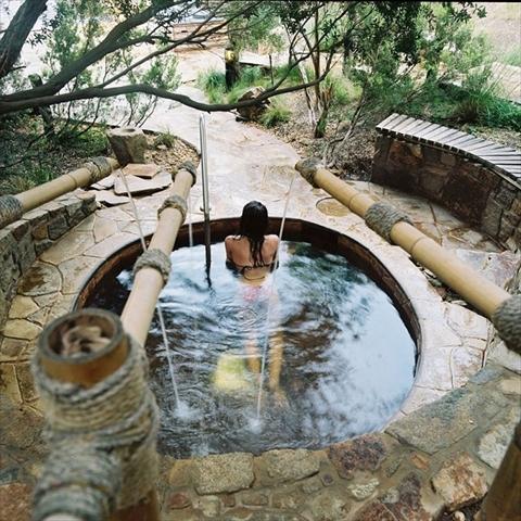 【絶景温泉】日本顔負け!大自然に溶け込む癒しの温泉リゾート