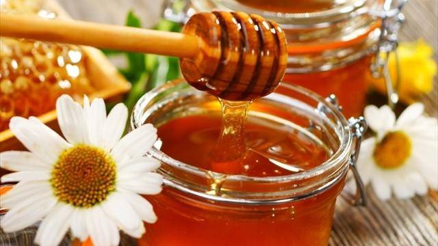 潤い美容にもダイエットにも。ハチミツの驚くべき効果と使い方
