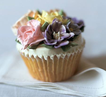 【NY】大人だったらこう食べる!とびきりお洒落なカップケーキに夢中