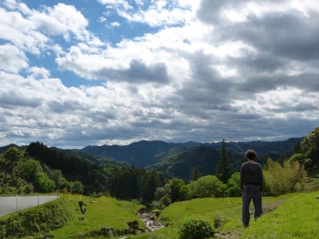 休日は農家民宿で遊び、学ぼう!心と体を癒す採れたて野菜と里山体験