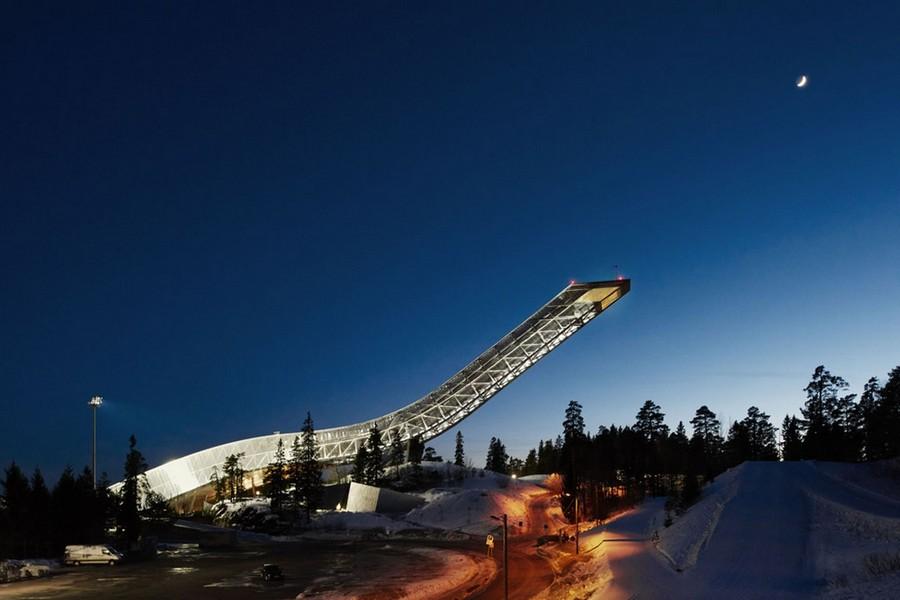 たった2組のみ宿泊可能!スキージャンプ台の上のペントハウス