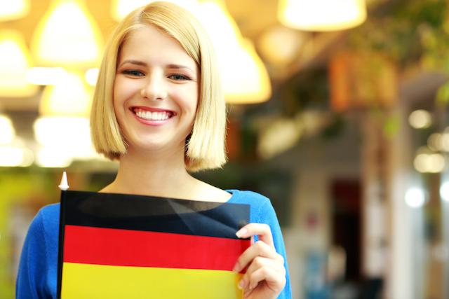 廃材で作った額縁がステキな味わい。ドイツに学ぶ物を大切にする心