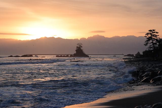 蜃気楼に光るイカに【世界一の湾クラブ】加盟も!? 富山湾って実はすごい