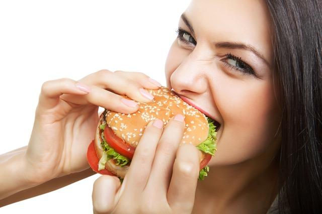 大事なデート前にチェックしておきたい!キレイに見える食べ方10の秘訣