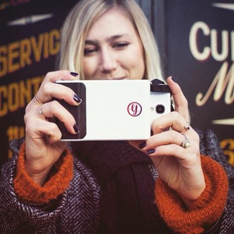 あなたのスマホがインスタントカメラに!デザインも可愛いスマホケース