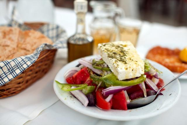 疲れたカラダに効く! カラフル簡単「ギリシャ風サラダ」