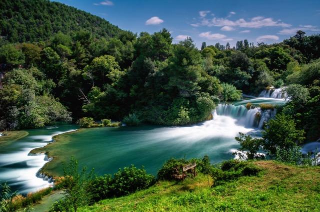 ヨーロッパ一美しい滝で泳いでみませんか? クルカ国立公園