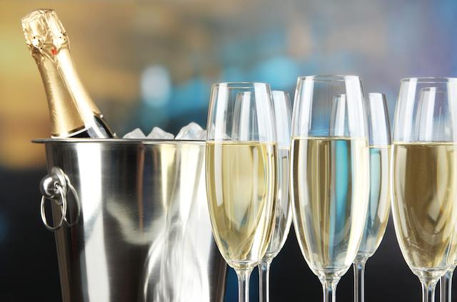 【レシピ】華やかな大人デザート、魅惑のシャンパンゼリー
