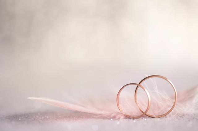 理想のプロポーズの形、思わず結婚したくなる調査結果をご紹介!