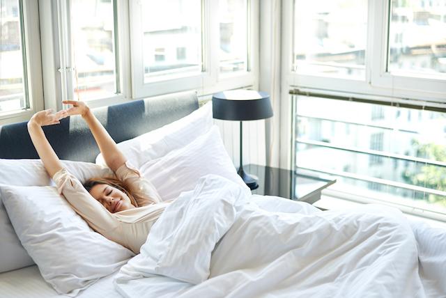 充実した1日のスタートを切るために!ベッドで起床時に5分試したいこと
