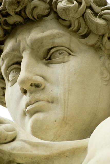ミケランジェロ作ダビデ像は恋をしていた!?瞳に浮かぶハートマーク