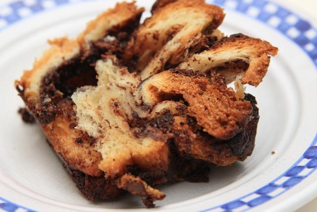 【ベーグルの次はコレ!】ユダヤ系の菓子パン チョコレート・バブカ