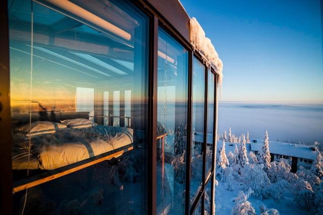 360°のパノラマに包まれる雪化粧が美しいフィンランドのホテル