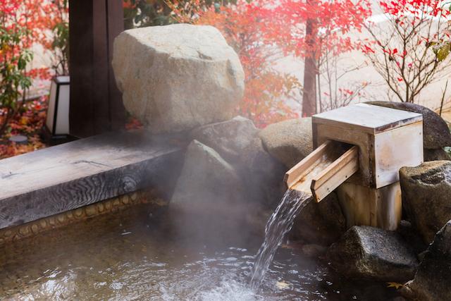 【11月26日はいい風呂の日】全国各地7つの温泉でキャンドル風呂開催