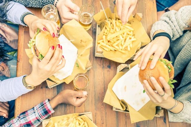 自分好みにカスタマイズ!チーズ、トリュフやキャビアもトッピングできるハンバーガーのお店