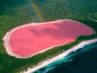 ピンク色に包まれたオーストラリアの幻想的な湖「ヒリヤー湖」