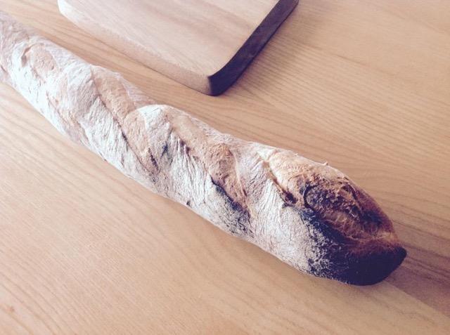 パン屋直伝!硬くなったフランスパンをおいしく復活させる方法
