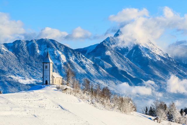 冬にこそ訪れたい!雪に包まれた幻想的なヨーロッパの町7選