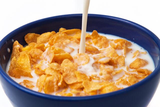 【日本とアメリカを比べてみた】牛乳と一緒に食べるとおいしい!ベスト5