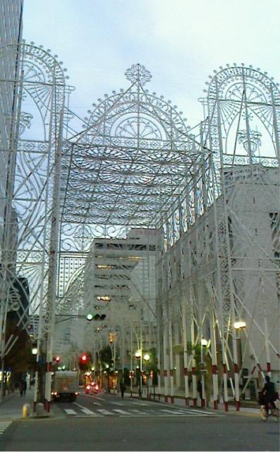 神戸ルミナリエ開幕 継続へみなさんの思いを