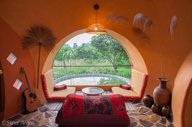 6週間、約100万円で建てた夢のように可愛いタイのドームハウス