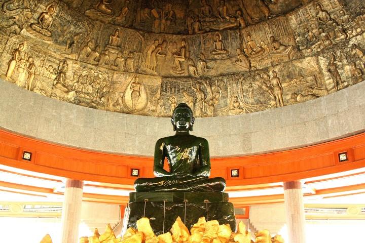 【タイ】タイ国内一の大仏塔がある「ワットタンマモンコン」を参拝!
