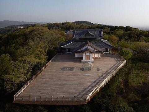 【京都の新名所】ガラスの茶室とパノラマの大舞台のコラボが美しすぎる