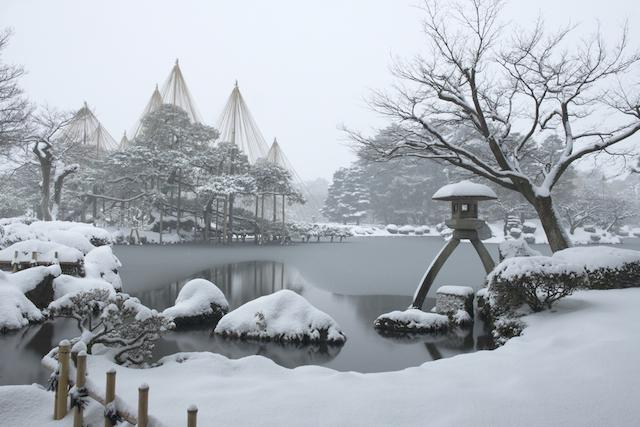 冬こそベストシーズンの金沢へ。雪化粧した兼六園&おすすめ金沢グルメ