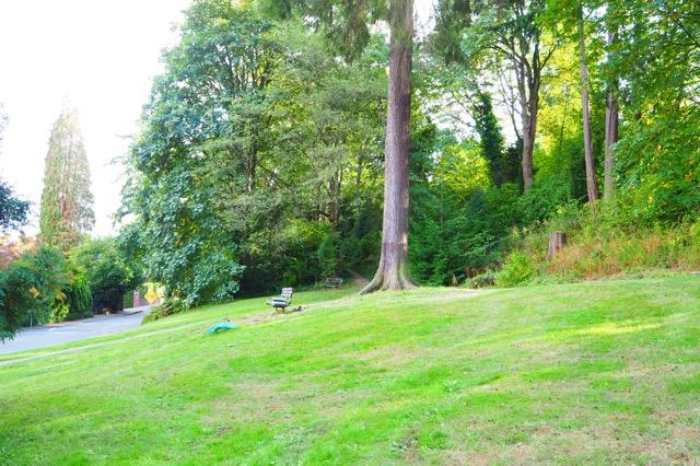 グランジロック「ニルヴァーナ」のボーカル、カート・コバーンのベンチ