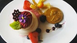ノーベル賞晩餐会と同じアイスクリームを食べられる!「ノーベル博物館」