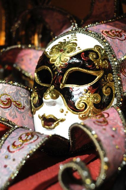 世界三大カーニバル、ベネチのカーニバルに参加する方法