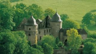 ラプンツェルや眠り姫の舞台のお城に泊まれる!ドイツの古城ホテル
