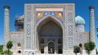 ブルーのとりこ!世界遺産の「青の都」サマルカンドのレギスタン広場