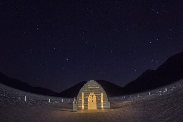 冬に60日間だけ現れる雪と氷でできた奇跡の村が感動的な美しさ!