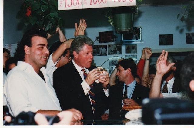 【ナポリ】クリントン元大統領も訪れた!たった3.5ユーロの絶品ピッツァ