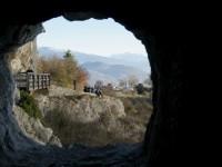 アルプスの山を見渡す フランス・グルノーブルのバスティーユ城塞