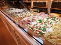 ピザではなくこれからはピンサが世界の主流?! ヘルシーでカリふわ、病みつきになる人続出中!