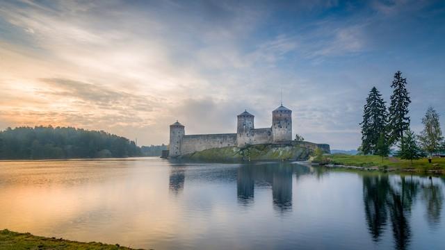 ドラゴンクエスト「竜王の城」のモデルになったと言われるオラヴィ城