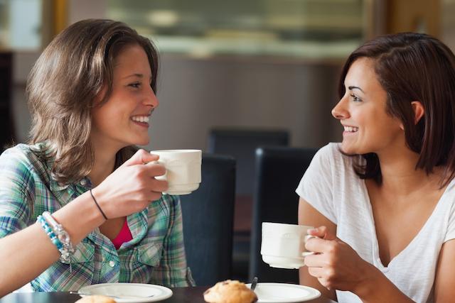 外国人の友達を増やすには? 会話が弾む「外国人との付き合い方」
